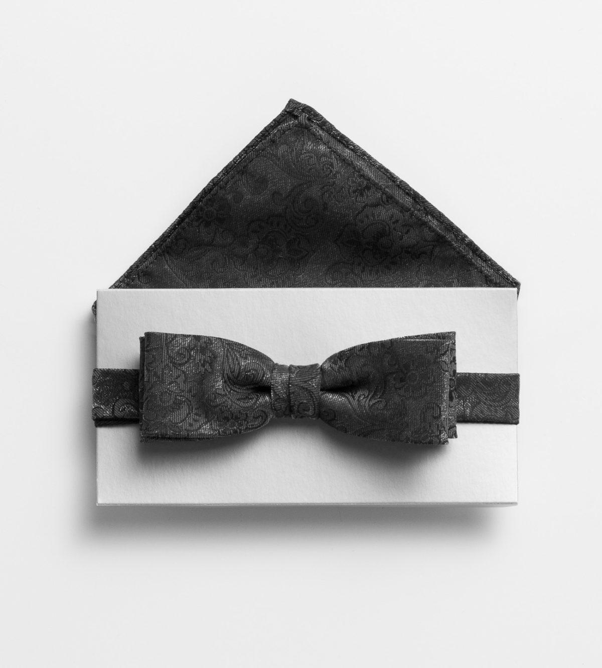 szurke-barokk-mintas-csokornyakkendo-szett-diszzsebkendovel-less-1008913-42